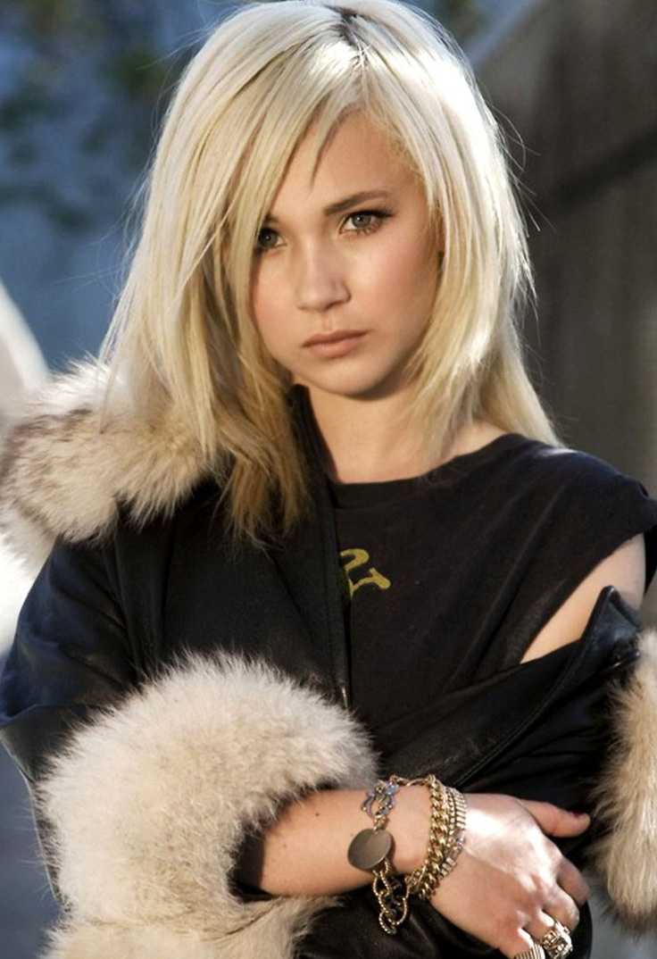 Juno Temple as Laura Bennet