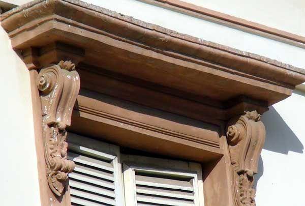 Conoce cómo se restauran las fachadas de la Plaza Baralt