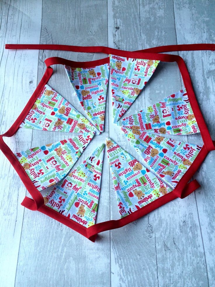 Christmas Bunting, Children, Kids, Traditional Colours - pinned by pin4etsy.com