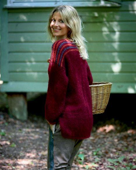 Faconen på denne sweater er stor og løs og vil være en sikker favorit i garderoben til efteråret.