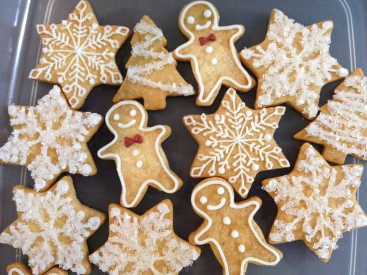 クリスマスクッキー製作中♡( ´艸`)|パティスリー エトワール (Pâtisserie Étoile)