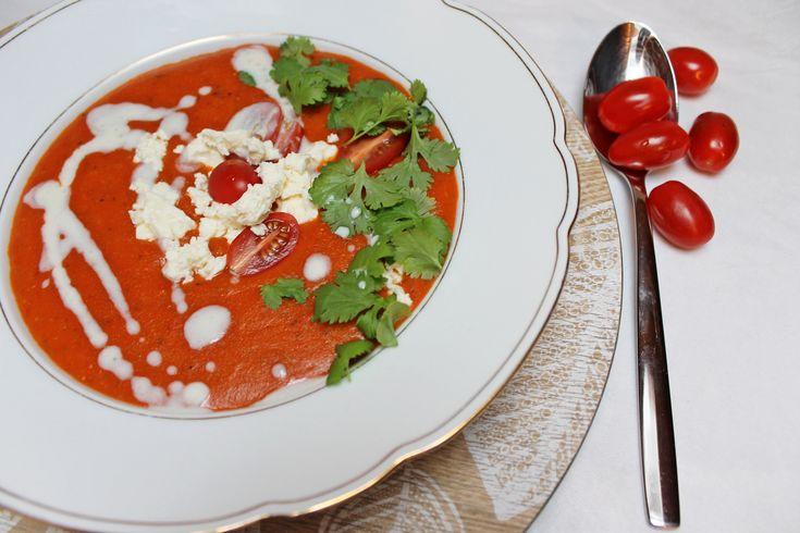 Die beste mexikanische Tomatensuppe, nach dem Rezept von Jamie Oliver, ist eine meiner Lieblingssuppen. Druck auch du dir das Rezept von meinem Blog aus!