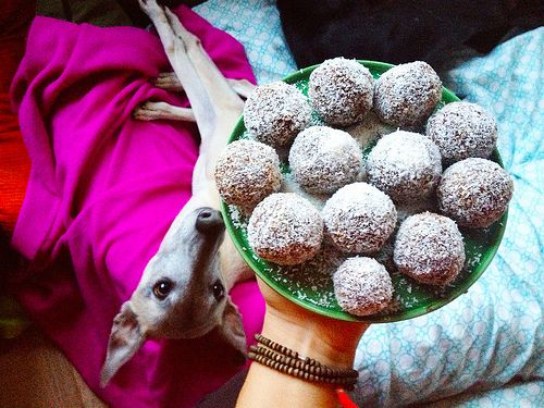 Chocolate Balls made of superfoods: http://www.downwardfacingdog.nl/chocococoballen/