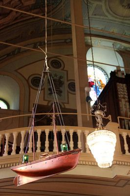 Notre-Dame-de-Bon-Secours Chapel -The Sailors' Church | Atlas Obscura