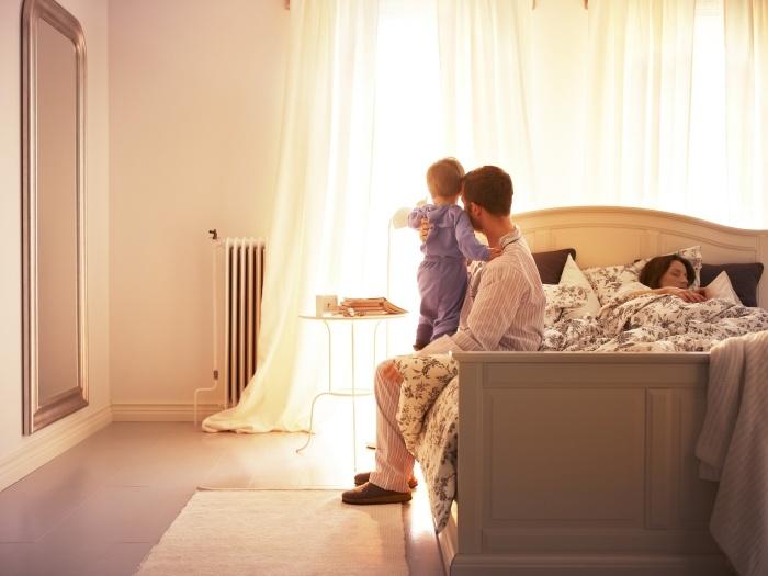 Τα πολλά αφράτα μαξιλάρια μας προδιαθέτουν για άνετο ύπνο και απίστευτο χουζούρι!