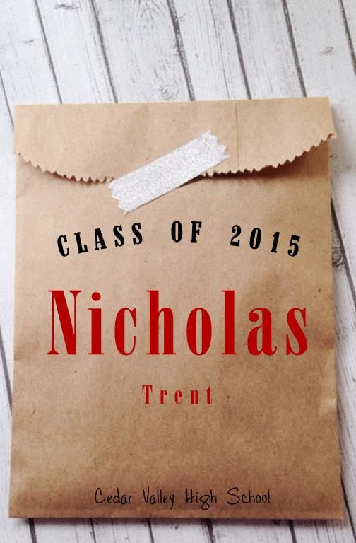 Custom Favor Bags for your graduation Party! Candy, Cookie, Buffet, Brown Paper Recycled or Matte White - Designed just for your special event!