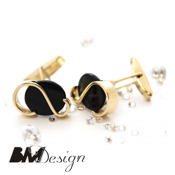 Spinki do mankietu z onyksem złote na zamówienie .Męska biżuteria . Projekt i wykonanie BM Design  #Rzeszów #złotnik #pracowniazłoticza #BM #diamenty #diament #brylant #naprawa #nazamówienie #herb #sygnet #pieczęć
