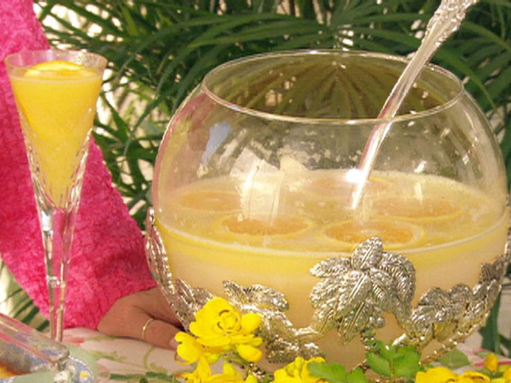 Get this all-star, easy-to-follow Mimosa Punch recipe from Paula Deen