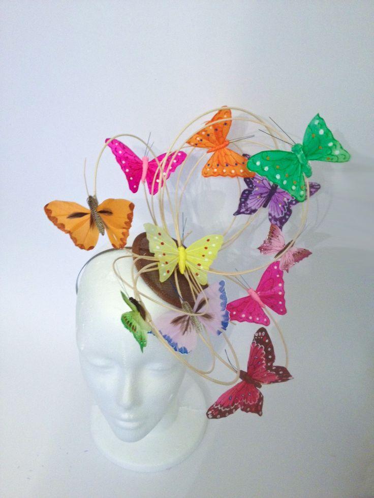 chapeau de mariage envolée de papillons ! www.un-chapeau-a-auteuil.fr
