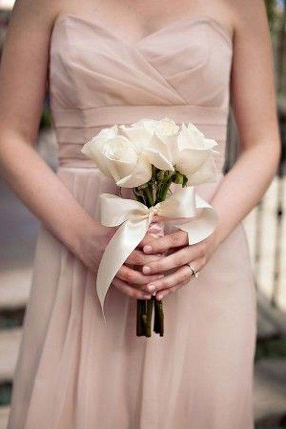small wedding bouquets for spring summer weddings http www