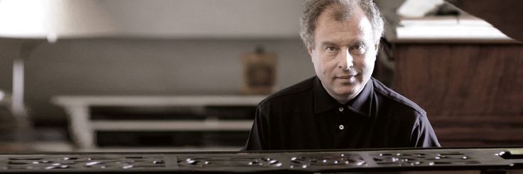 11 April 2017, Heidelberger Frühling, Heildeberg: Bach - No. 2: Ricercar a 6 aus: Musikalisches Opfer BWV 1079 Bartók - Music for Strings Percussion and Celesta Brahms - Piano Concerto No. 2  Direction and Piano: Sir András Schiff