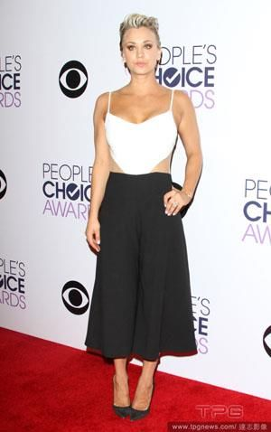 :: Spotted: Kaley Cuoco Wearing Peggy Hartanto Dress! :: CLEO.co.id! ::
