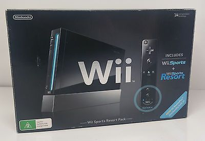 Nintendo Wii Sports Resort Pack: Boxed, Hardly Used in Very Good Condition.