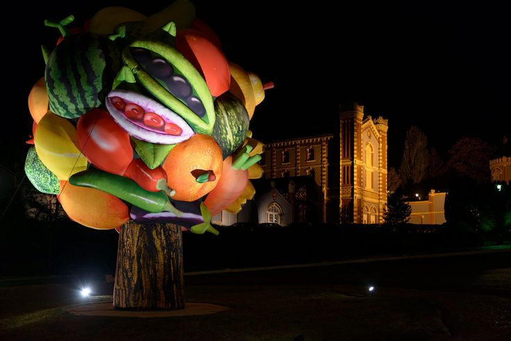 """Domaine Pommery's """"Gigantesque!"""" Exhibition - Cool Hunting"""
