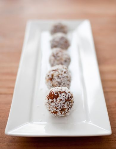 Since I love the healthy chocoballs (Rens Kroes recipe), I really have to try this one! 'Inca Oersnack'!