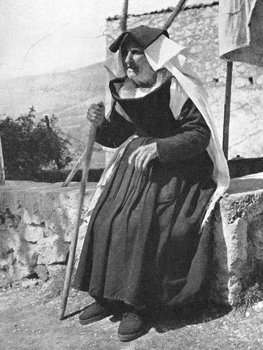 Italian Vintage Photographs ~ #Italy #Italian #vintage #photographs #family #history #culture ~ Abruzzo old lady of Pettorano sul Gizio 1956