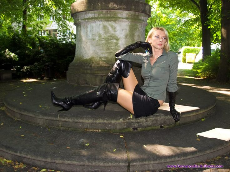 women in leather boots - StartPage by Ixquick Imagem Pesquisar ...