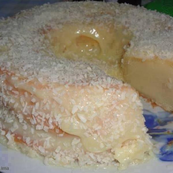 Receita de Bolo Pega Marido - 1/2 lata de açúcar (medida pela lata de leite condensado), 1 lata de farinha de trigo (usar a lata de leite condensado como me...