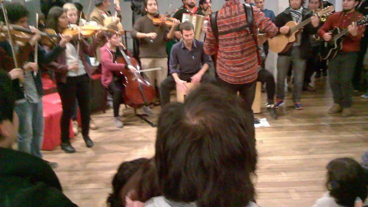 Orquesta Folk de Valparaiso en el Museo de Ciencias Naturales