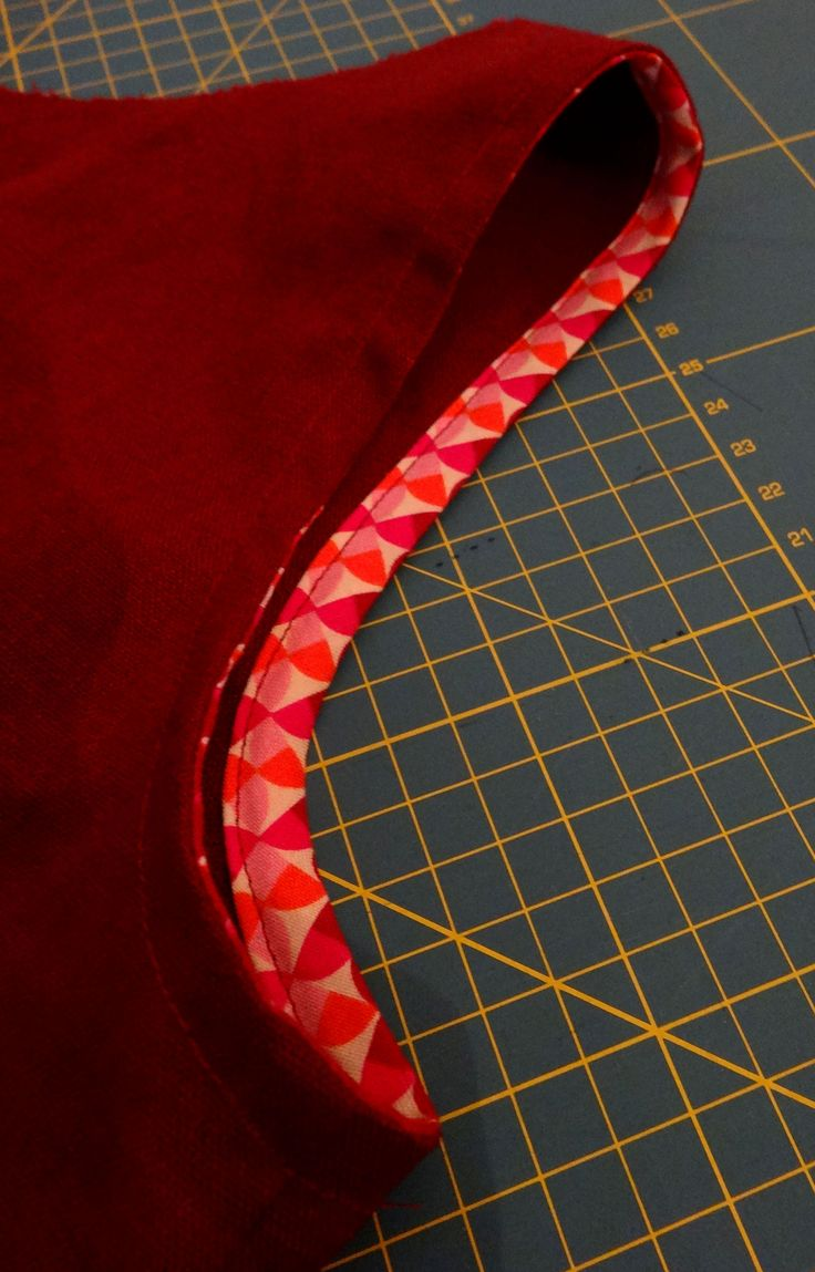 Tutorial: How to perfectly fit bias tape to an armhole or neckline - Aha!!