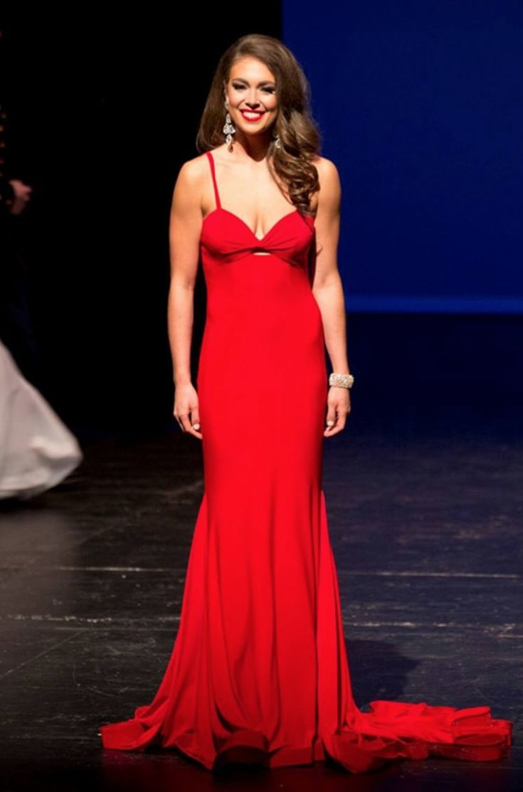 Alyssa London will be representing Alaska at Miss USA 2017 on May 14, 2017! She wore this simplistic bright red evening gown when she won the title of Miss Alaska USA 2017.  Interested in seeing an evening gown from a former Miss Alaska USA? (Read: Miss Alaska USA 2014 Evening Gown: HIT or MISS?)  The Color  This bright red definitely pops on stage, especially against such a dark stage backdrop! The red accents Alyssa's darker facial features and gorgeous brunette hair perfectly without…