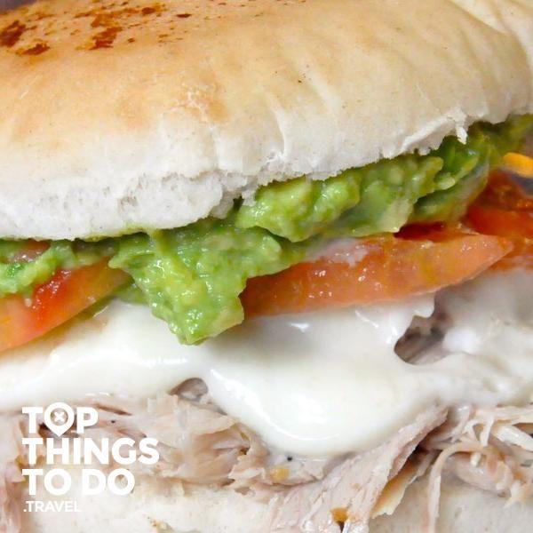 Glosario de Sandwiches en Chile - Guías - En Chile tienen un amor gigante por los sándwiches, llevan años preparando y re-inventando nuevas recetas y saben como hacerlo.
