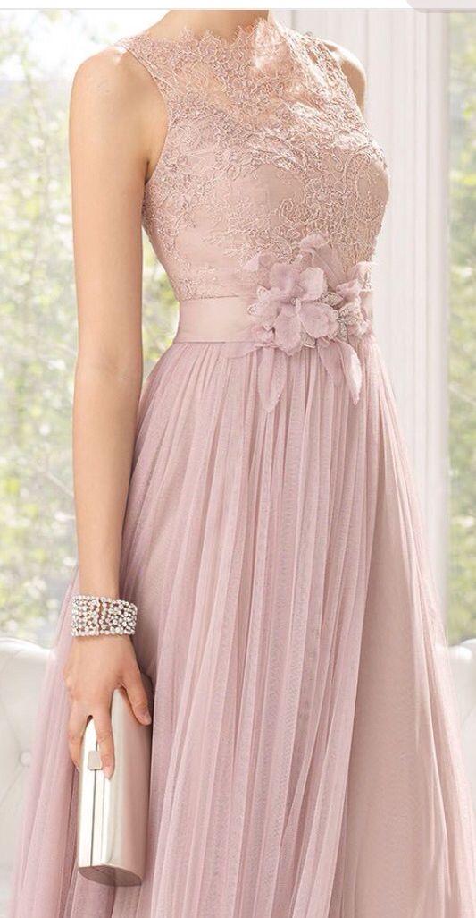 Vestido rose com colo de renda 2