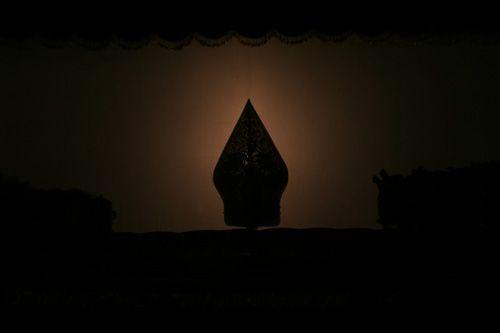 This is Gunungan. #javanese #shadowpuppet #gunungan #siluette #art #performance
