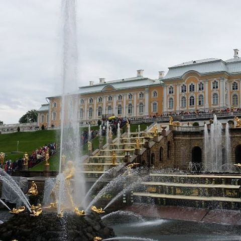 http://www.traveldumps.com The lovely Peterhof Palace #Stpetersburg #russia #travel #travelphotographyoftheday