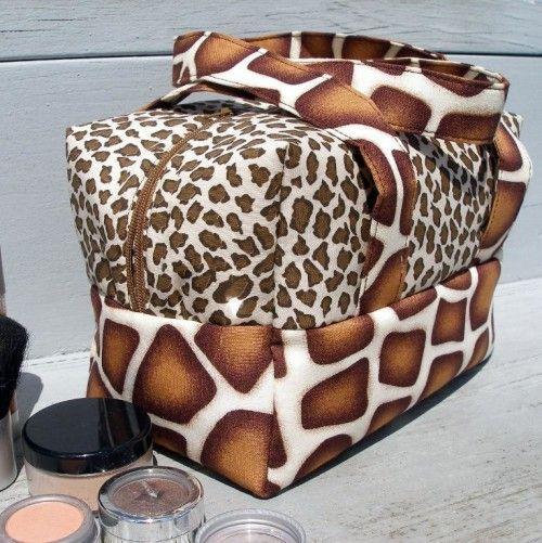 The (Mini) Boxy Bag - PDF Pattern - by So Sew Easy  #sewing  #handbags
