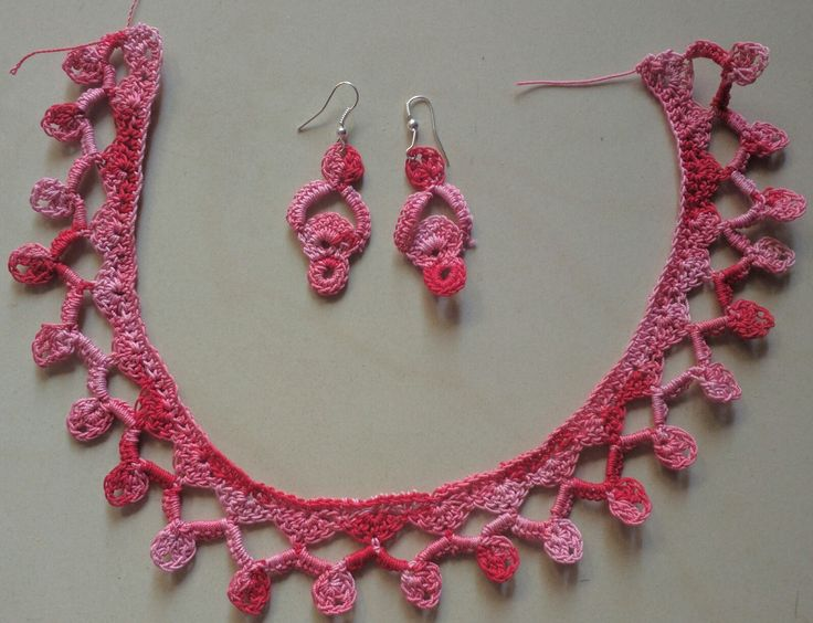 Crochet necklace with earrings