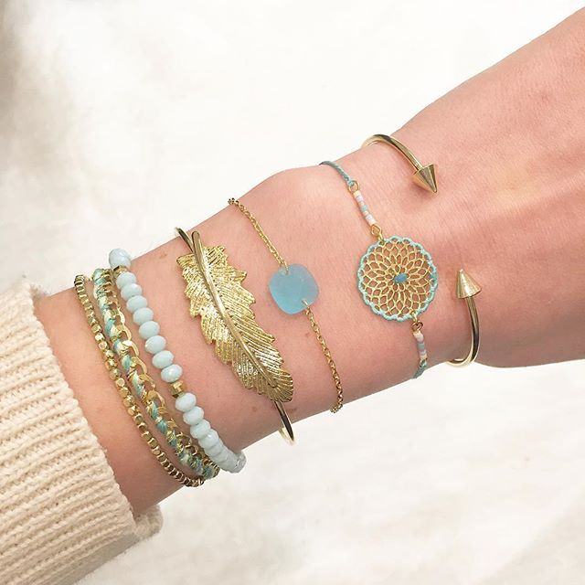 NEW !!! #combo #bijoux #lescleias #bleu #gold #tendance #style #mode #bijouxlovers #lookoftheday #bracelet #jewels #jewelry #fashion #lookoftheday #fashiongram #fashiondiary #instadaily #instabijoux #dailylook #fashionlover #blue