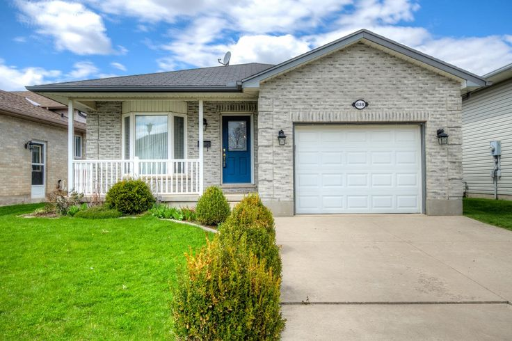 Well Maintained Bungalow with Attached Garage in East London!  - $239,900 - www.LondonOntarioRealEstate.com/listing/cms/658-railton-ave-london-ontario/ -  #RealEstate #ForSale in #London by #Realtor