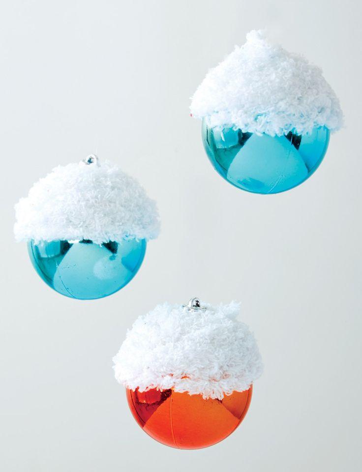 Yarnspirations.com - Bernat Snow Capped Ornament - Patterns  | Yarnspirations