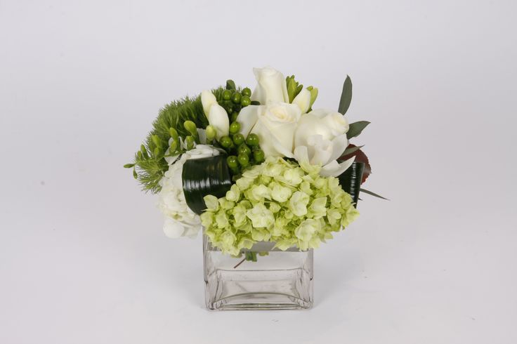 All white flowers centre piece