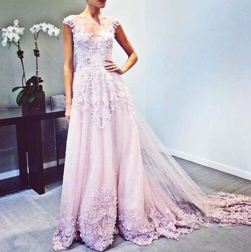 Amazing lace and long train. #capsleeves