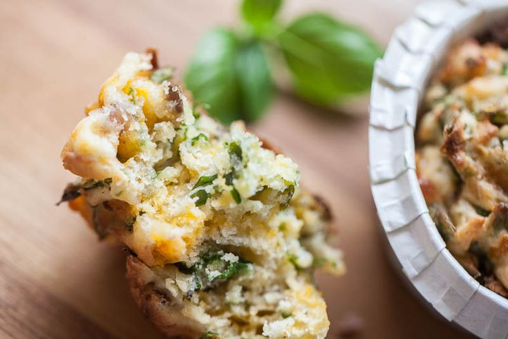 Super lækre muffins med skinke, champignon og ost