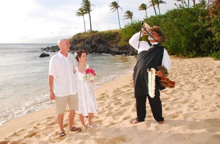 www.roblintravel.com for your Maui weddings