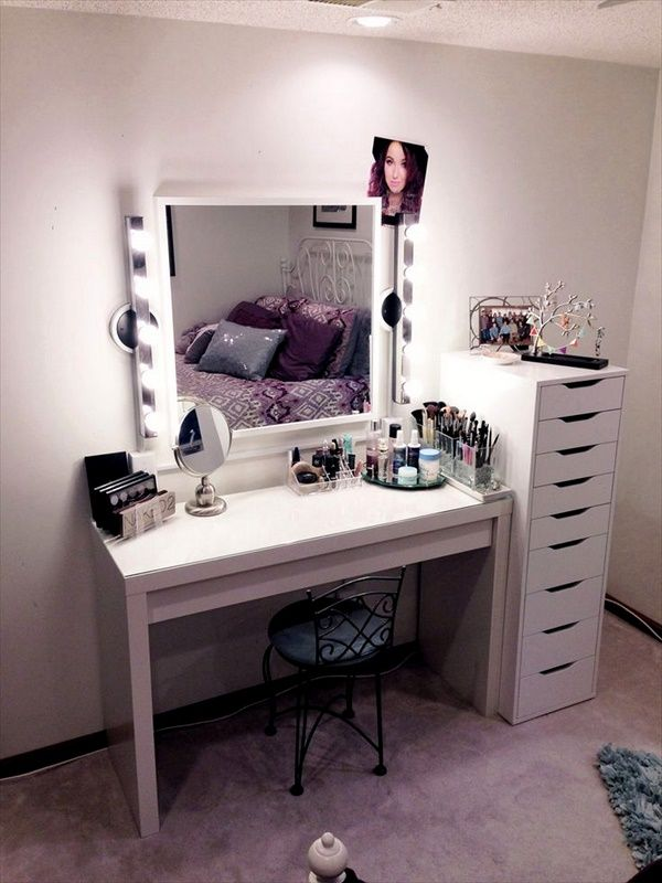 15 DIY Vanity Table Ideas You Must Try | Ashley | Makeup table ...