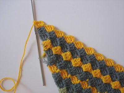crochet: how to crochet diagonally....checked this pattern out and not sure I like leaving all the ends to finish off....also looks heavy so would be great for an afagan but need to use lighter yarn for other projects.