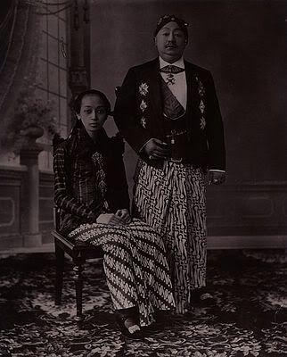 Susuhunan Paku Buwono X dan Gusti Kanjeng Ratu Mas, 1922