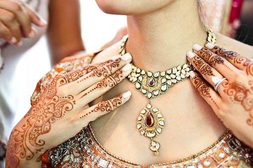 love the simplicity of this kundan necklace