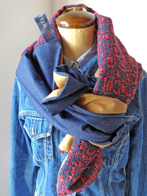 lunga sciarpa in tessuto intrecciato a motivi grafici di Righello