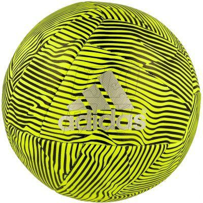 Hone your touches with the precision of this mini soccer ball. Its size makes it great for practicing or just kicking around. Features a machine-stitched body and a butyl bladder for durability.