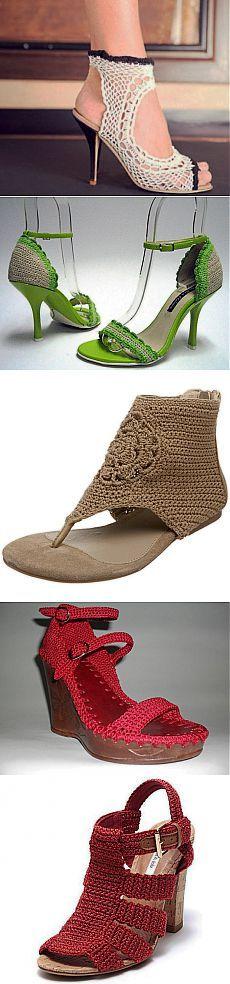 Sapatos de malha Crochê. Calçado malha Foto  doméstico laboratório -  /   Knitted shoes Crochet. Knitted Shoes Photo Laboratory household -