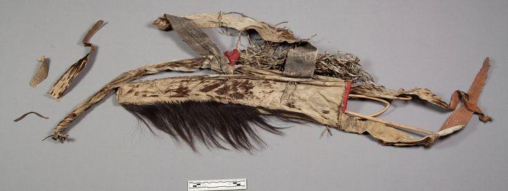 Колчан, чехол для лука; Сиу. А. Army Medical Museum; Dr. J. F. Boughter, 1859 год. Дата поступления 1869 год. Форт Дакота, округ Миннехаха, Южная Дакота. NMNH.