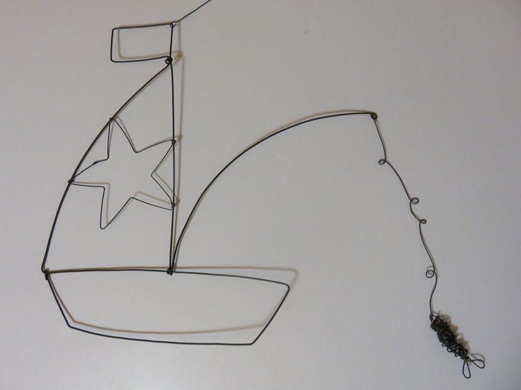 Bateau et son poisson en fil de fer : Décorations murales par le-tournesol-rouge