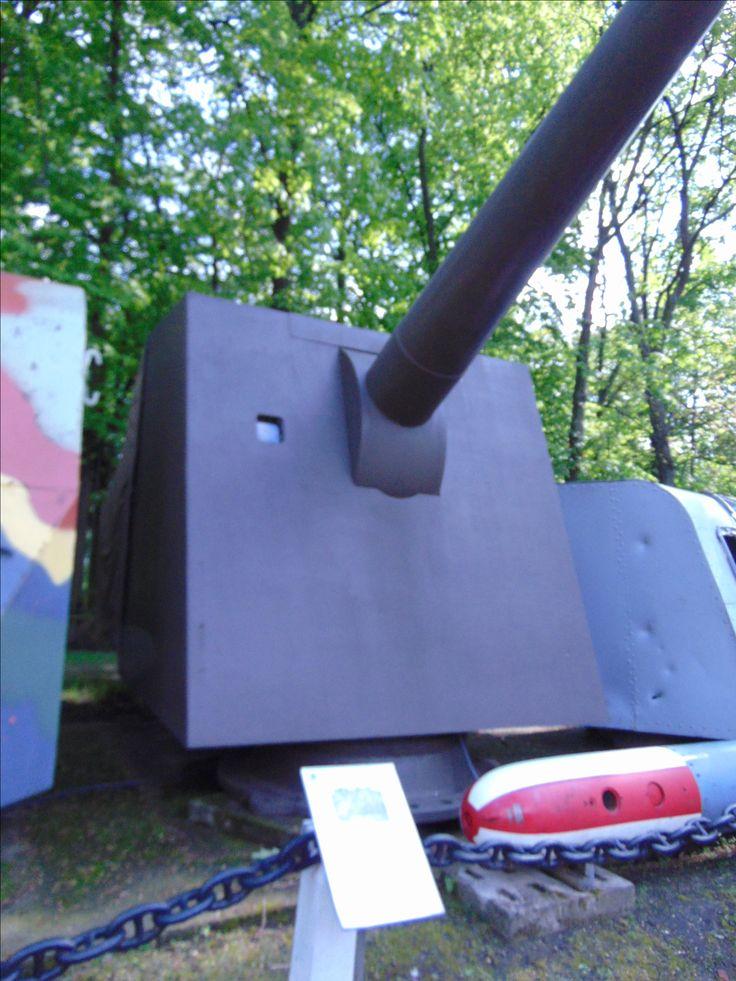 wieża 152,4 mm Bofors 31 z Baterii im. Heliodora Laskowskiego Muzeum Narodowe Warszawa