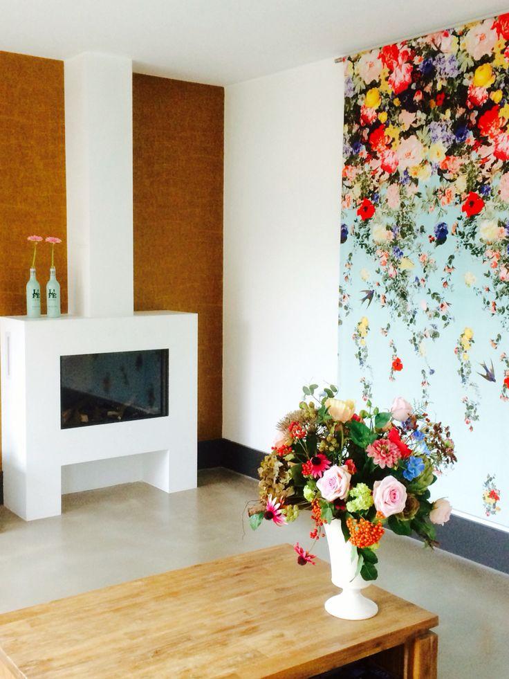 Vaas met zijden bloemen, veldboeket. Kijk voor meer info op www.annefleurs.nl, verkoop en verhuur zijden bloemwerk!