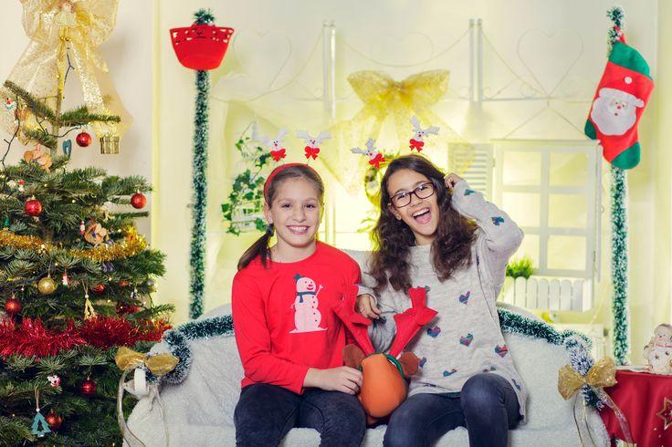 #christmasphotoshoot #studiophotography #kids #bestfriends